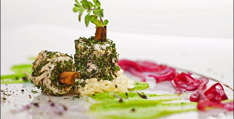 Chef Gianfranco Chiarini  <br> Italian-Kuwait Fusion <br> Cernia Mechbous Hashu - Parmesan <br> Honey Risotto & Duggus-Basil sauce <br>